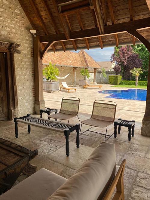 6 Normandie salon pool house 2